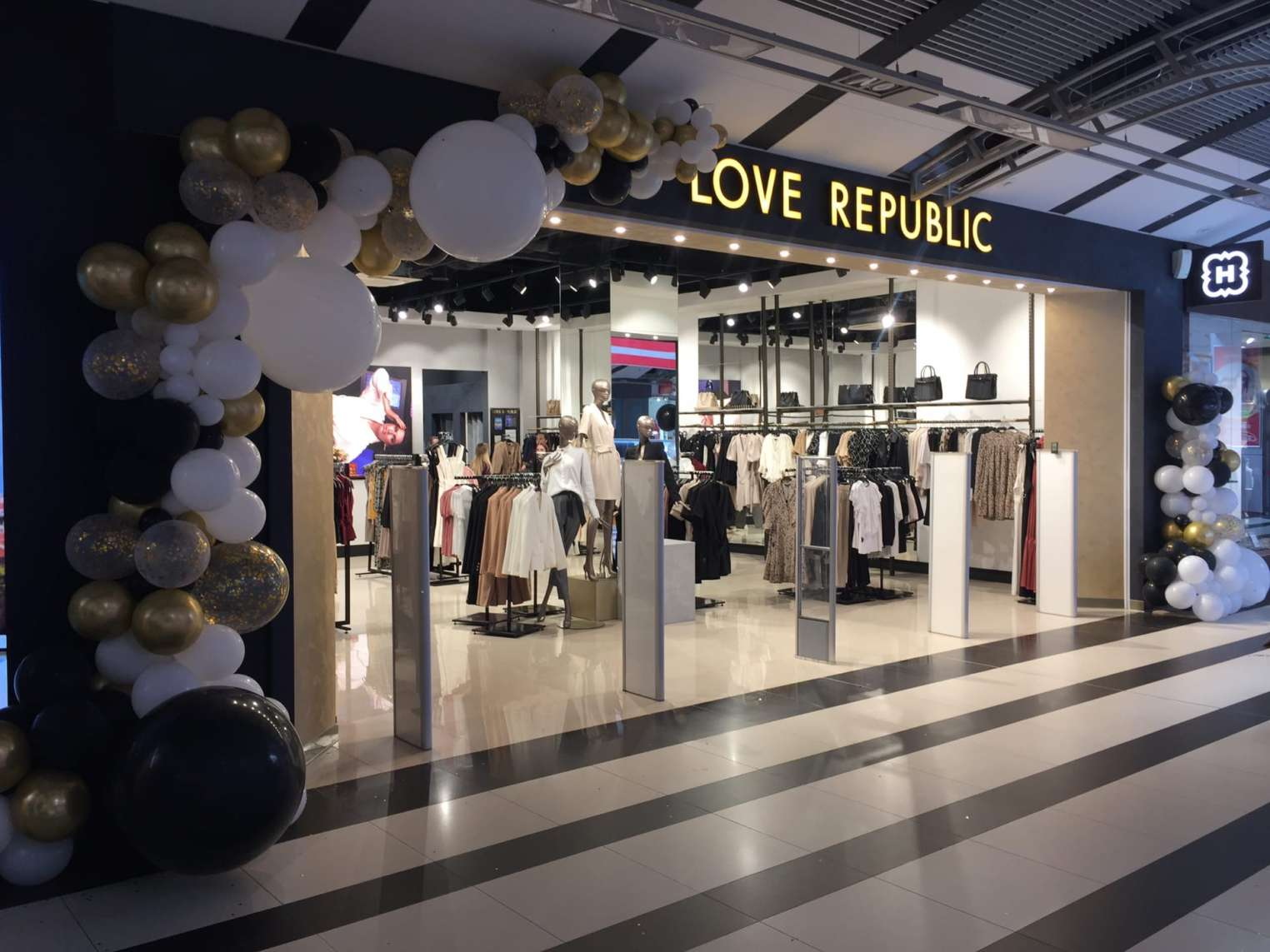 LOVE REPUBLIC в ТРК Петровский